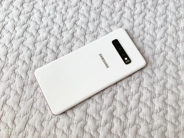 [レビュー]「Etoren」で購入した「Galaxy S10+」の「Ceramic White」が届いたので開封してみた。