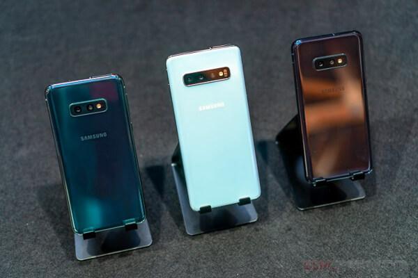 本当にライバル機種扱いになるのか。「iPhone XR」と「Galaxy S10e」を徹底比較してみた。