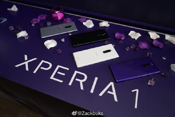 SONYの本気。「Xperia 1」の「4K OLED」は通常の「ディスプレイ」の「4倍〜6倍」のコストがかかっているみたい。