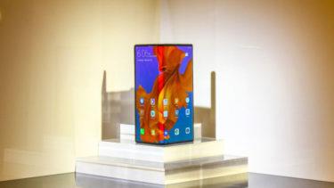 「Huawei Mate X」。「10月23日」中国で正式発表。「11月上旬」発売