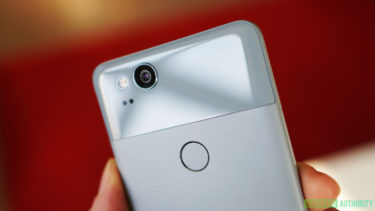 「Google」が放置?「Google Pixel 2」が「Google Camera」のバグで「クラッシュ」したまま