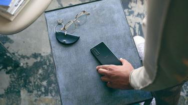 「Xperia 5II」の本体価格は$949。あのキャリアなら10万円以下になるかも